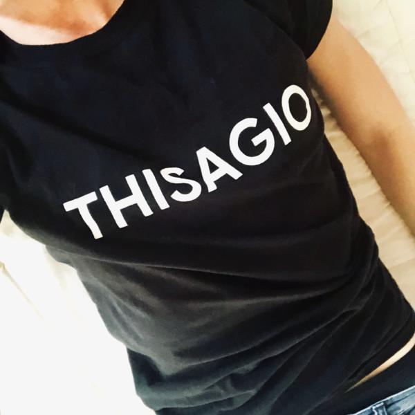 THISAGIO - T-Shirt - Black